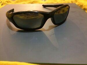 "Oakley ""Straight Jacket"" authentic polarized sunglases Kingston Kingston Area image 1"