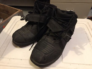 Speed and strength hard knock boots , sz 10