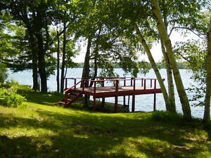 Waterfront Cottage on Clear Lake, along Rideau Canal