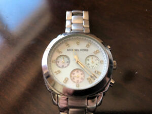 MINT MICHAEL KORS WATCH FOR WOMEN