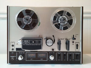 AKAI 4000DS MK-II Reel to Reel Tape Deck with 50 Recording Tapes