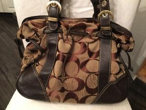 Superbe sac à main Coach  / Beautiful Authentic Coach bag