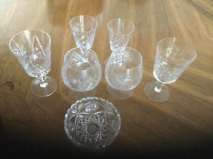 Pinwheel Bohemian Crystal Glasses - 26 pieces