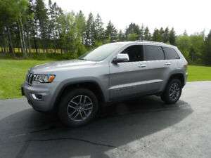 2018 Jeep Grand Cherokee Ltd 4x4 Sunroof and Leather
