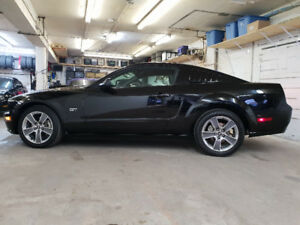 2008 Mustang GT 4.6L Coupe Premium Black on Black 48,909KM  .