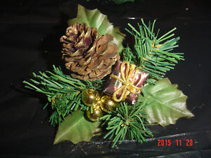 SELECTIONS OF CHRISTMAS PINE CONE PIC ACCENTS FOR DECORATING Windsor Region Ontario image 4