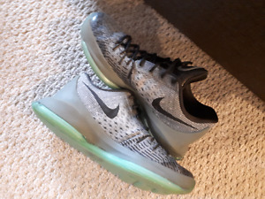 Nike kd8 basketball shoes size 8.5
