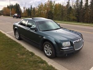 2005 CHRYSLER 300   **LOTS OF AFTERMARKET ACCESSORIES**