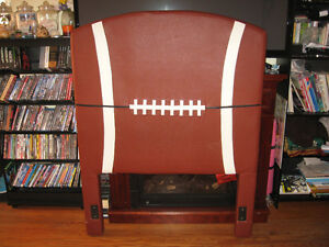 NFL FOOTBALL HEAD BOARD FOR SINGLE BED