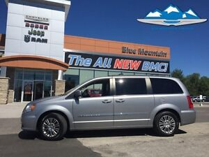 2013 Chrysler Town  Country Touring-L  ACCIDENT FREE, BLUETOOTH,