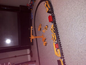 Caterpillar motorized train set