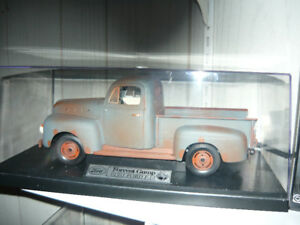 NEW 1:18 die cast Forest Gump 1951 Ford F1 Custom Display Set