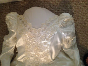 Beautiful satin vintage wedding dress