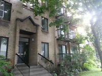4 ½, Downtown, heated Garage, Metro, Renovated, Furnished