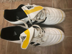 Adidas Outdoor Soccer boots-sz11 - mint condition