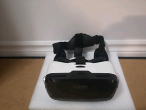 Luhpie VR Headset with Headphones