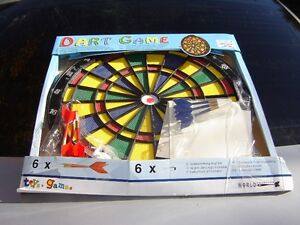 DART BOARD WITH 6 DARTS IN BOX/GAMES/SPORTS London Ontario image 1