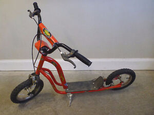 MT CURB BLASTER SCOOTER