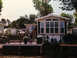 Cottager - Waterfront -Westlake Sandbanks