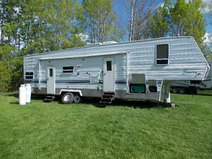 FOREST RIVER FIFTH WHEEL WITH TOY HAULER