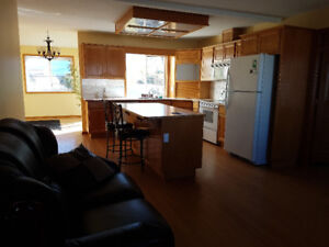 $2250 / 4br - 2210ft2 - Rural 4 bedroom, 3 Bath, indoor hot tub