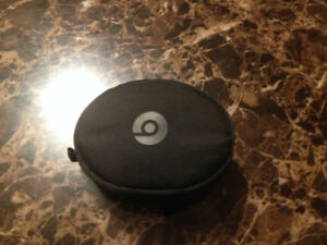 Beats solo 3 wireless on sale a little used but great condition