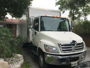 2008 Hino 20' box with ramp