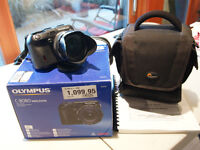 FOR SALE: Olympus Camedia C-8080 Wide Zoom Digital Camera
