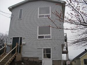 NINE bedroom duplex 5 minute WALK to Waterfront NSCC