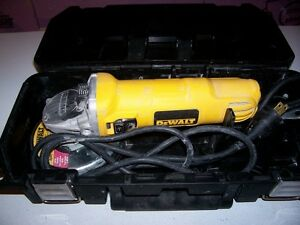 DEWALT ANGLE GRINDER WITH CASE
