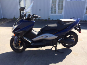 yamaha tmax motocyclettes vendre dans grand montr al petites annonces de kijiji. Black Bedroom Furniture Sets. Home Design Ideas
