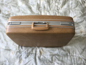 Birkdale Vintage hard shell luggage