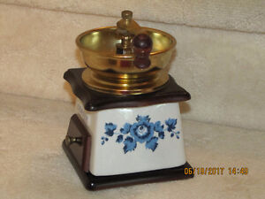 Coffee Grinder - Wood & Porcelain