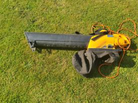 JCB Leaf blower hoover.