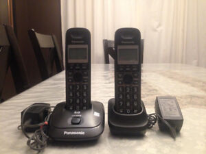 Home phone and answering machine (message recorder)