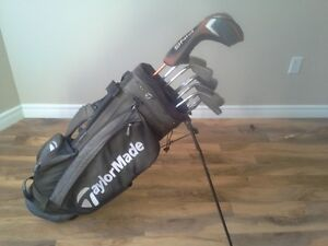 PING CLUBS (RH) WITH BAG FOR SALE!