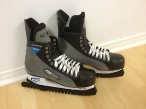 A vendre : Nike Bauer Supreme Pro Hockey Skates Size 12.