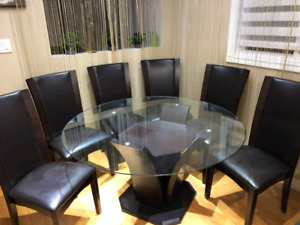 Glass Table and Chairs for Sale *Dining or Kitchen Table Set