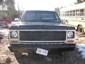 1979 chevy shortbox and chevy parts