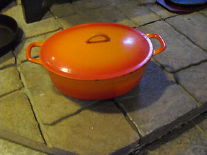 Vintage Descoware Oval Enamel Cast  Iron Dutch Oven With Lid