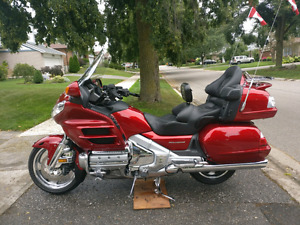 Pristine Candy Apple Red Gold Wing