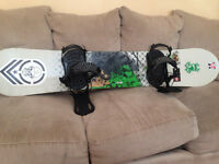 SALOMON SNOWBOARD! MINT CONDITION.