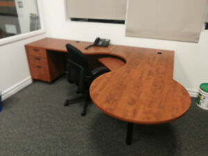 Office desk with D shaped return