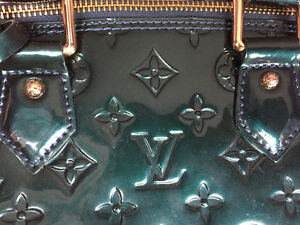 Lv bag alma vernis negotiable West Island Greater Montréal image 2