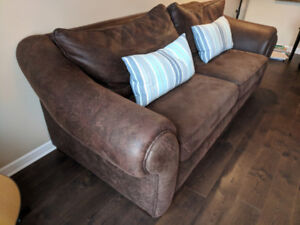 Stylish Sofa for sale !