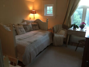 Short Term January to March / Beautiful Mountain View Room