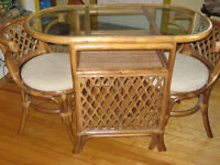 Ensemble table & 2 chaises/Table and 2 chairs set