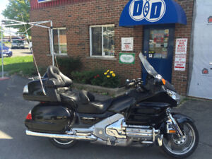 Honda Goldwing W/Nav and ABS ! ! !  ONLY 35500  KM ! ! !