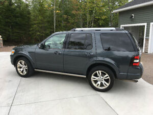 2010 Ford Explorer Limited Edition SUV, Crossover