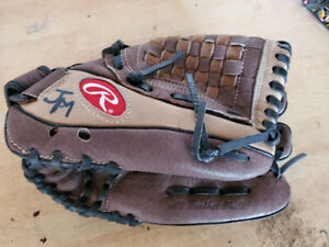Kids Rawlings Baseball Glove